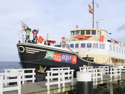 Reis mee naar Sinterklaas op zijn Pakjesboot